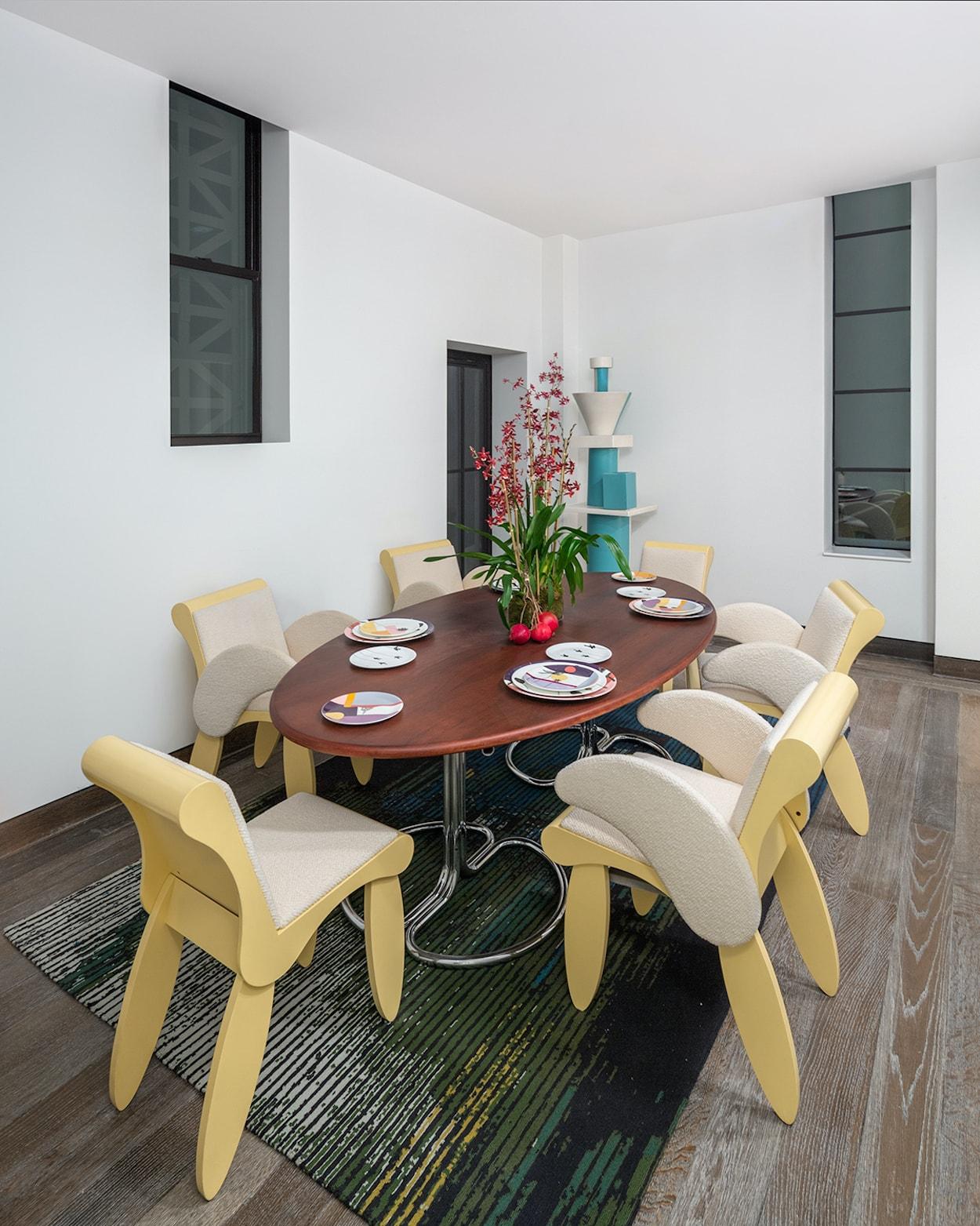 12_©_Robert_Granoff_111_W_57th_PH_Dining_Room_Table-min